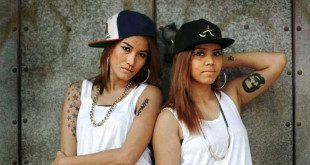 Thazin Nyunt Aung, a sinistra, e Aye Aye Aung, noto come Triple-A, forma YAK, il primo duo rap femminile in Myanmar.